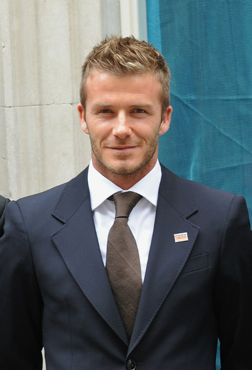 Relaxed-Faux-Hawk-Hairstyle-for-Men